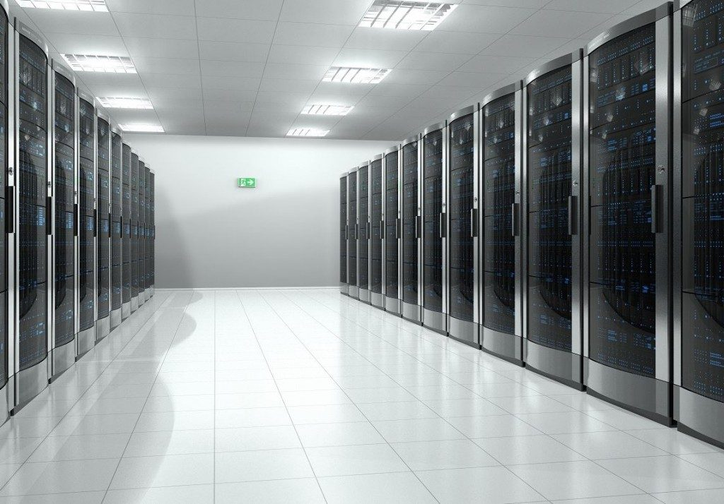 how-manufacturers-can-benefit-from-data-colocation